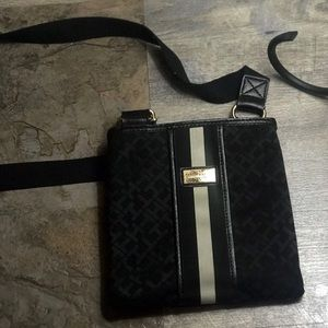 tommy hilfiger crossbody purse